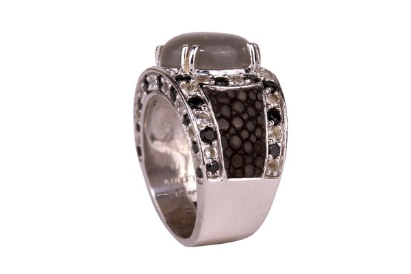 Kir Royal Silverring with grey moonstone ,70 small white topaz and black spinell gemstones,Stingray Leather