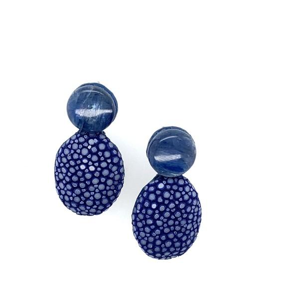 Lizzy kleiner Ohrring aus Rochenleder royal blue mit Kyanit @a-cuckoo-moment