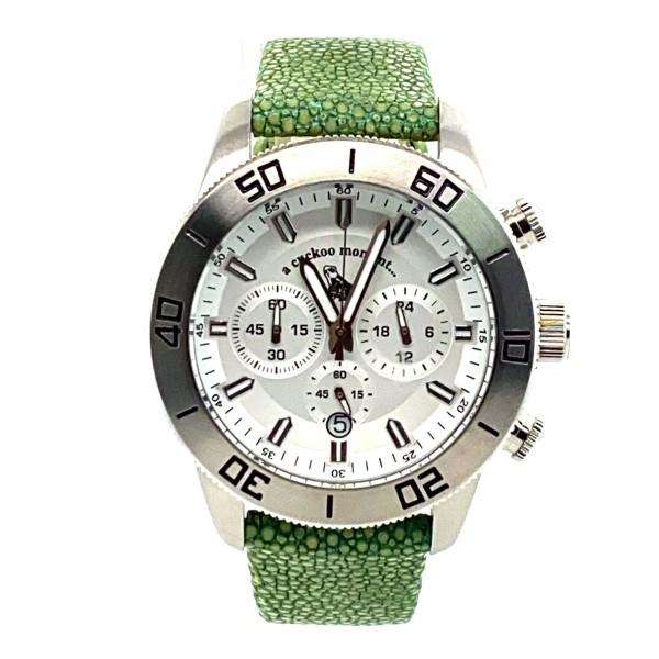 Chronograph Uhr aus silbernem Edelstahl und weißem Ziffernblatt Rochenlederarmband celadon a-cuckoo-moment