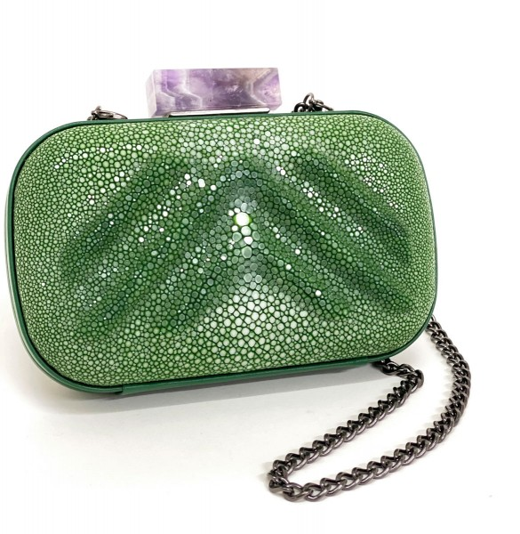 Wanda Clutch in stingray leather with amethyst clasp sapin green @a-cuckoo-moment
