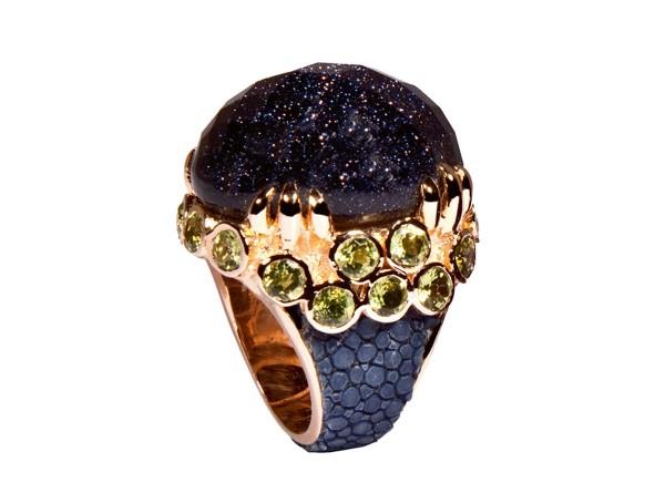 Margarita- Ring mit blauem Sandstein und Peridots @a-cuckoo-moment