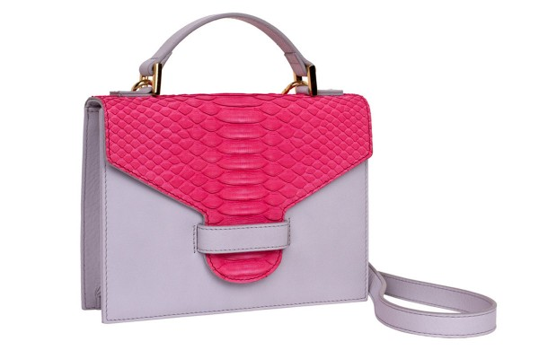 Suzy kleine cross body Koffer Tasche aus Nappa light grey und Python in barbie pink matt