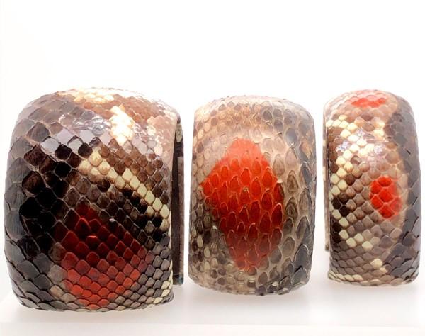 SAMBA Armreif aus handbemalter Pythonschlange Orange sugar flexibel @a-cuckoo-moment