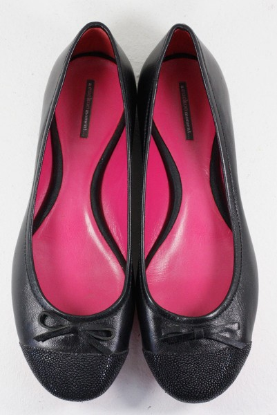 Ballerinas made of finest leather with stingray black
