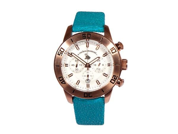 Chronograph Uhr aus rosevergoldetem Edelstahl und weißem Zifferblatt mit Rochenlederband in türkis a-cuckoo-moment