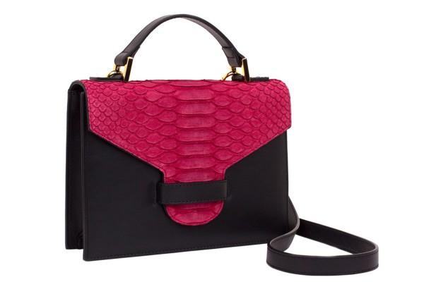 Suzy kleine cross body Koffer Tasche aus Nappa black und Python in barbie pink matt