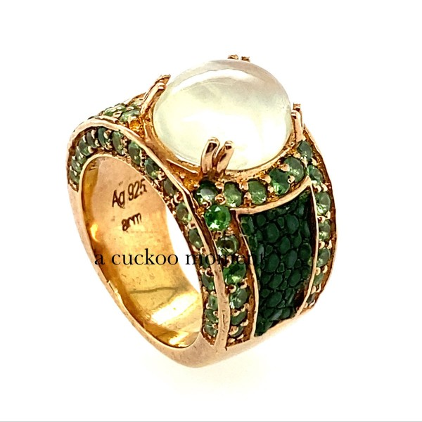 Kir Royal Ring with Prehnite and 72 Small Tsavorites and Stingray Leather Sapin Green @a-cuckoo-moment