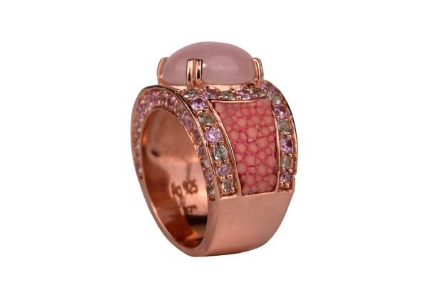 Kir Royal - Ring mit Rosenquarz und pinken und grünen Amethysten, Rochenleder hot pink