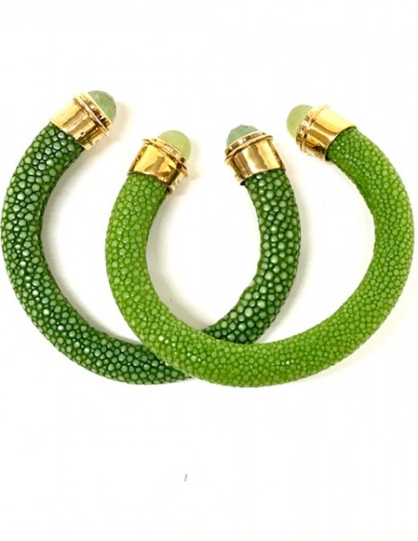 Tango bangle sapin and light green with prehnite as cabochon and cabochon facet @a-cuckoo-moment