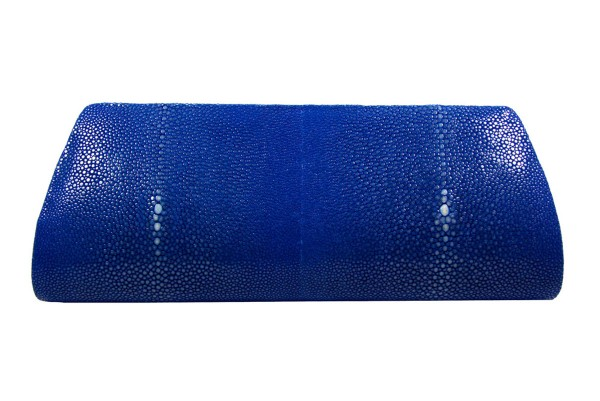 Mia Clutch aus Rochenleder royal blue